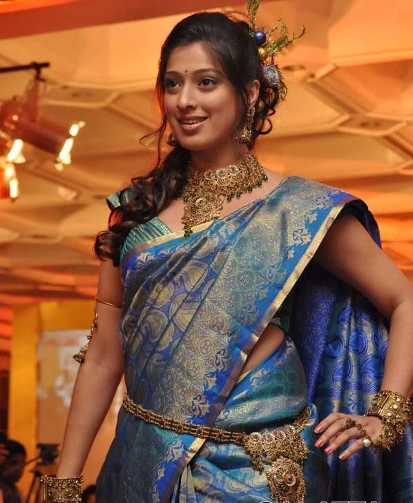 Namitha Saree Waist Chain 171 Actress Wallpaper Images