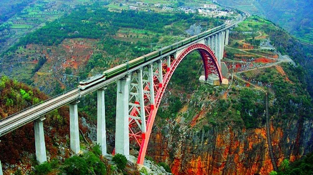 A ponte ferrovi ria mais alta do mundo gigantes do mundo for Portico e design del ponte