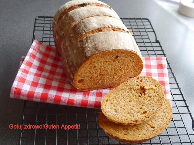 Chleb pszenny na zakwasie z suszonymi pomidorami.Światowy Dzień Chleba - Czytaj więcej »