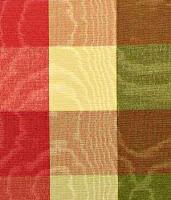Renkli ve kare desenli menevişlenen bir kumaş