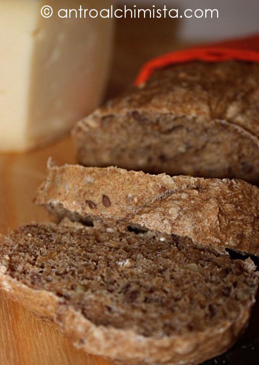 Mehrkorn Brot