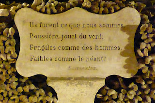 Catacombes Paris citation lamartine