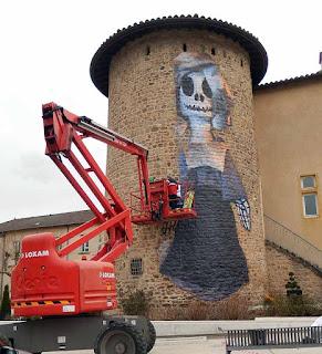 Collage sur la tour pour les 10 Ans du MTG