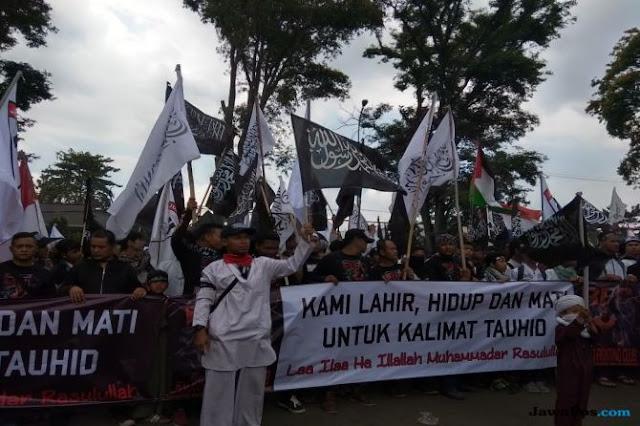 Ribuan Massa Aksi Bela Tauhid di Gedung Sate Serukan Tujuh Tuntutan