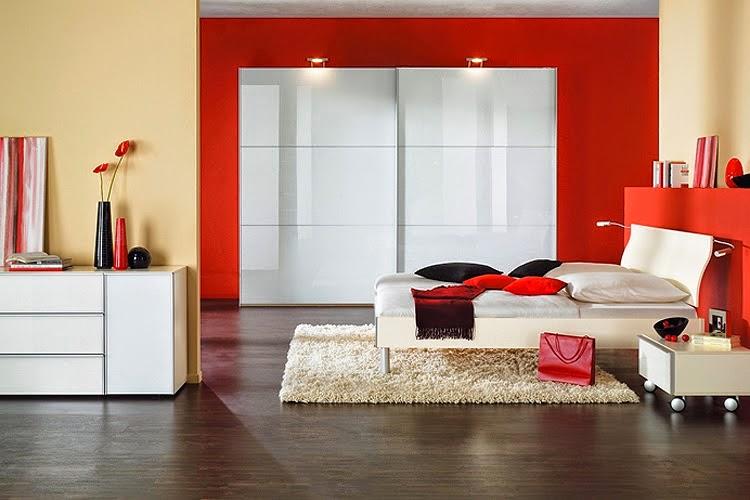Petite chambre blanc et rouge for Chambre romantique rouge