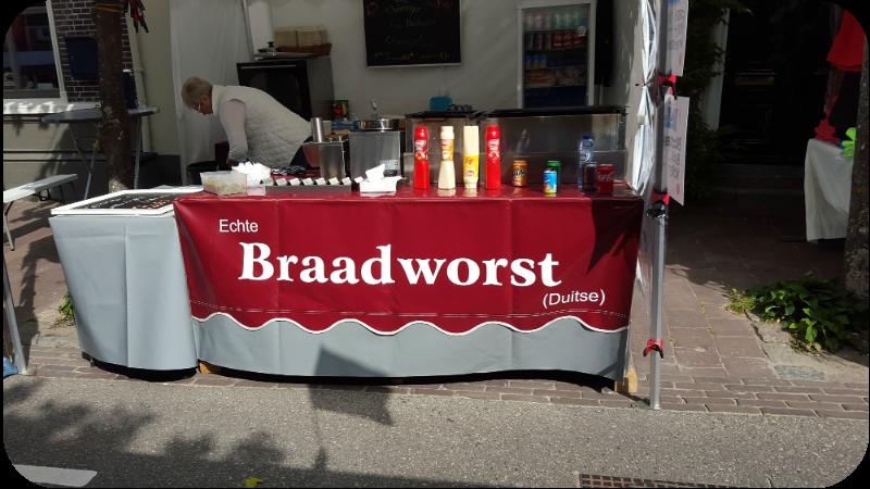 Die Echte Braadworst (Duitse) am Markttag in Domburg, Provinz Zeeland, Holland (Niederlande) | Arthurs Tochter Kocht von Astrid Paul