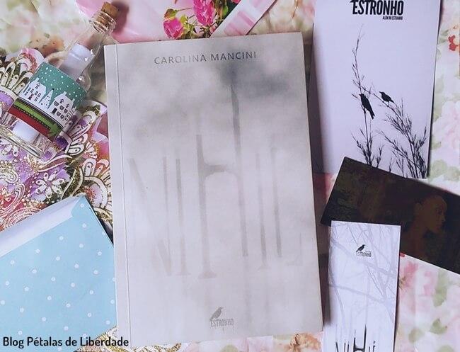 livro, Nihil, Carolina-Mancini, Estronho,
