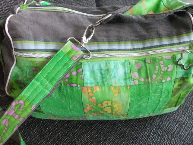 Zylindertasche in grün