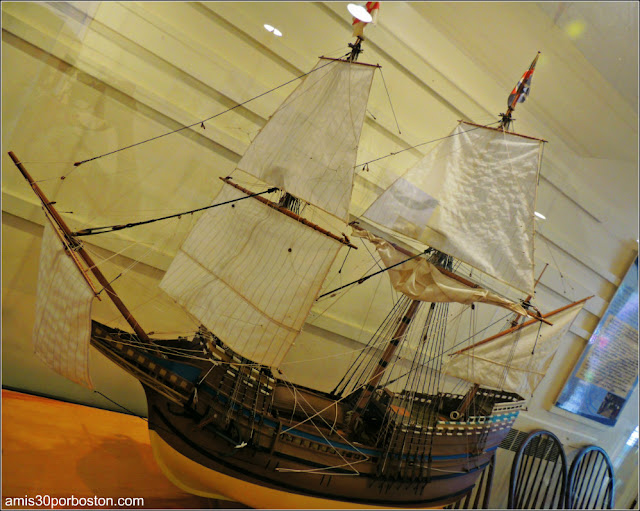 Plimoth Plantation: Maqueta del Mayflower en el Henry Hornblower II Vistor Center