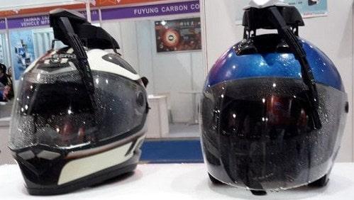 Wiper Helm Solusi Berkendara Musim Hujan dengan Nyaman