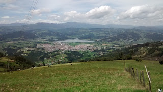 A view of Paipa, Boyacá, Colombia from the hills to its north.
