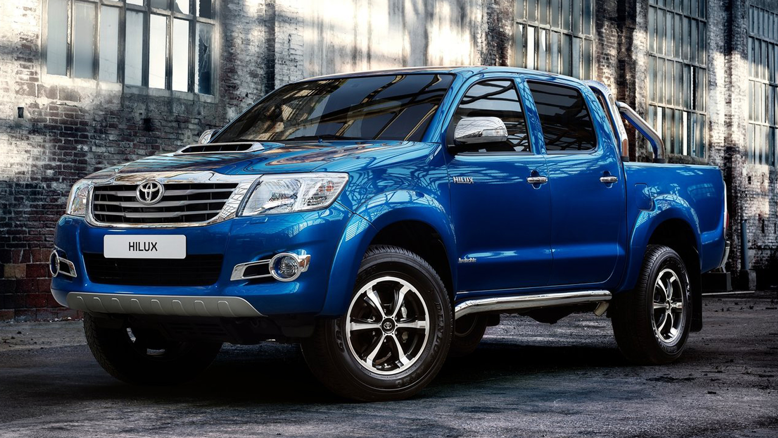 CARWP: 25 Toyota Hilux Invincible