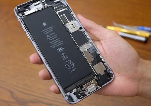 Dịch vụ thay pin iphone chính hãng