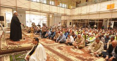 قيادات الهيئة الهندسية والمقاولون العرب يصلون الجمعة مع العاملين بمنتجع الجلالة
