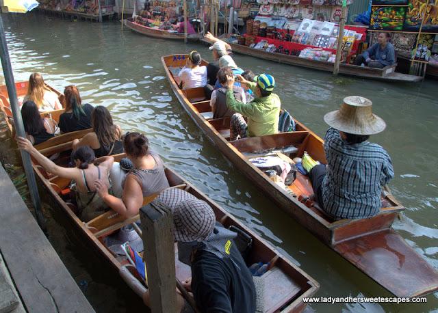 Damnoen Saduak Floating Market paddle boat