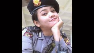 photo gadis elok memang tidak menciptakan kita bosan Photo Polwan atau Polisi Wanita Cantik