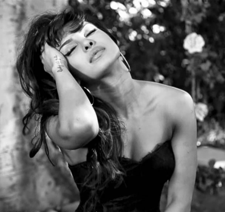 Priyanka Chopra HD Wallpapers Free Download -I