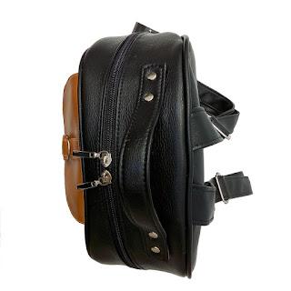 Mochila XL Cuero Eco Bolsillo Aro en Color Negro Blanco y Suela Vista de Arriba