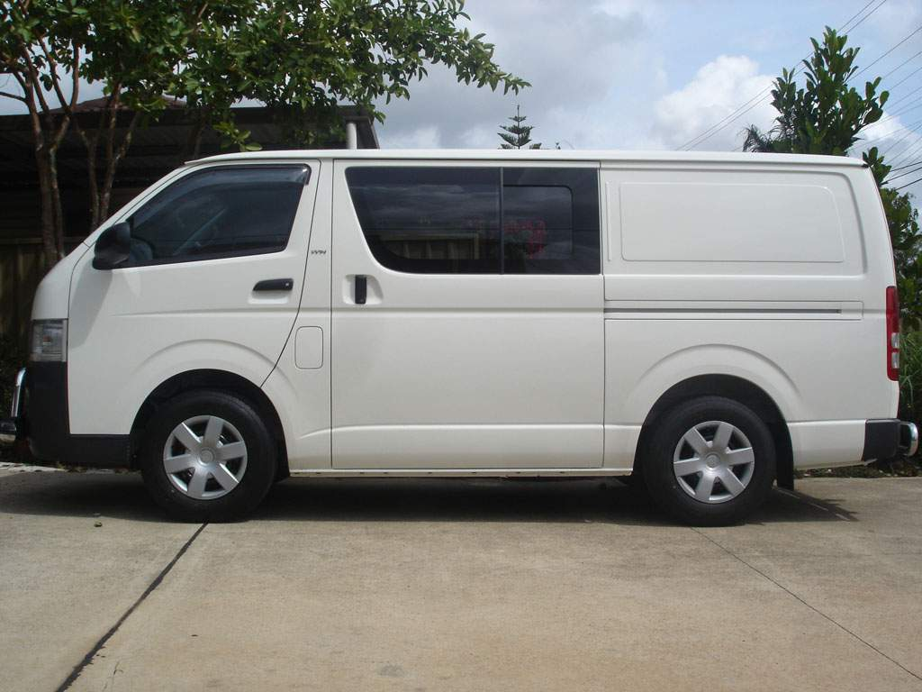 Car Images Toyota Hiace