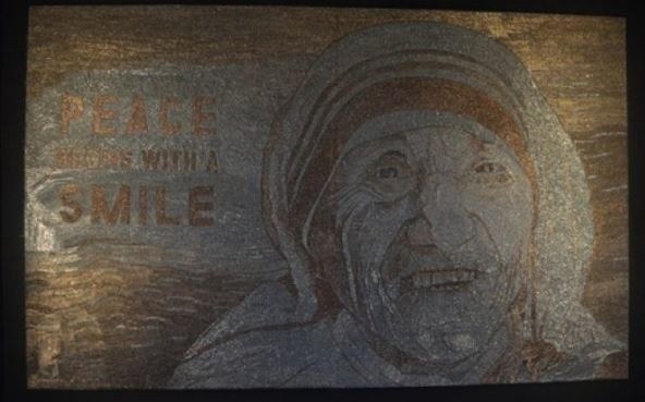 CNN dedicates article to Saimir Strati mosaic of Mother Teresa