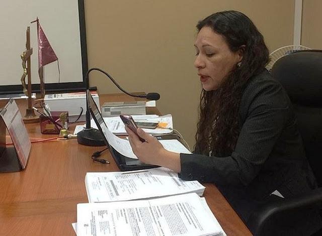 Jueza dicta la primera sentencia del Perú por WhatsApp
