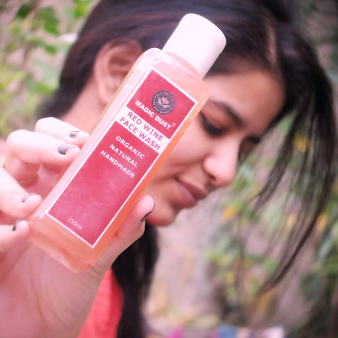 MAGIC DUST RED WINE FACE WASH REVIEW || 100% ORGANIC & NATURAL || PEACHYPINKPRETTY