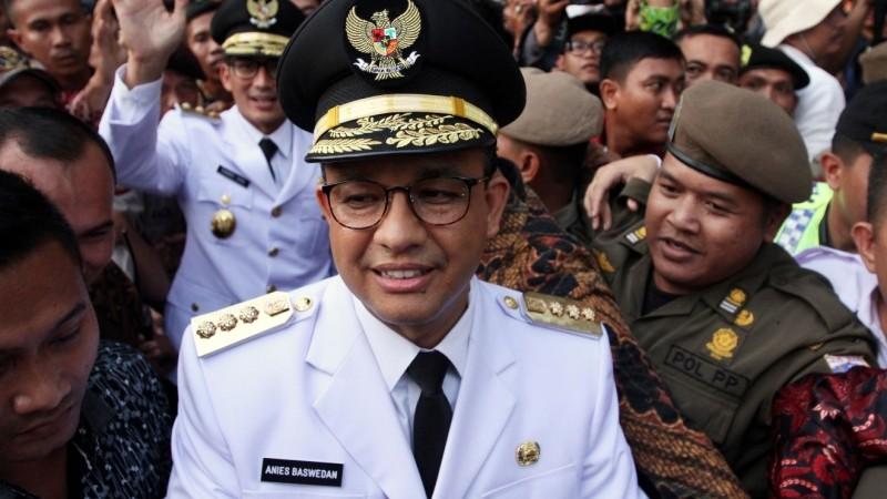 Anies Baswedan saat akan mengikuti setijab Gubernur DKI