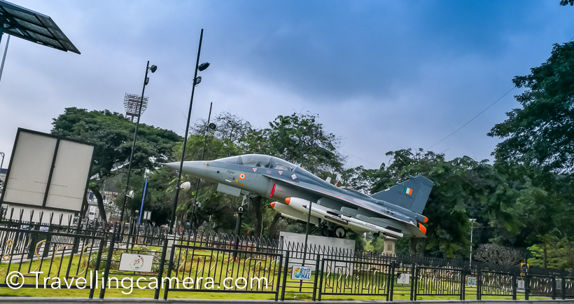 Just next to this Post office, I saw this plane and some beautiful buildings and wide road on opposite side. As I went closer, I realized that it's an entry point for Cubbon park. So I though of going inside and see ho it looks. Few folks at my hotel had mentioned about Cubbon Park.