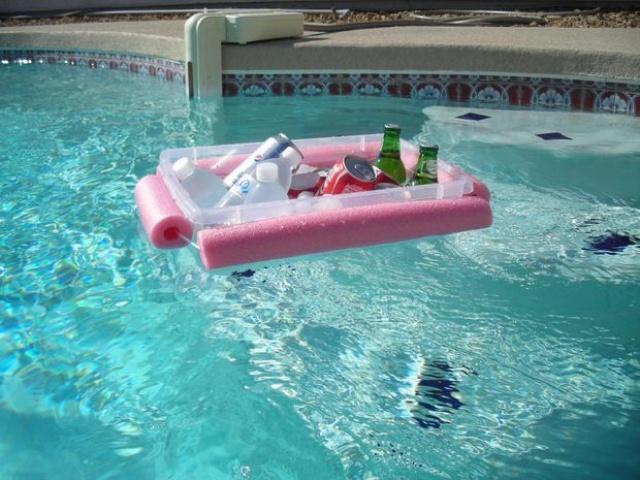 Flotador de bebidas para la piscina
