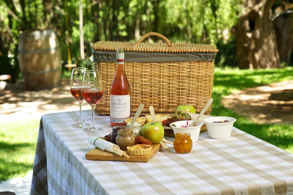 Preparar picnic para el día de San Valentín