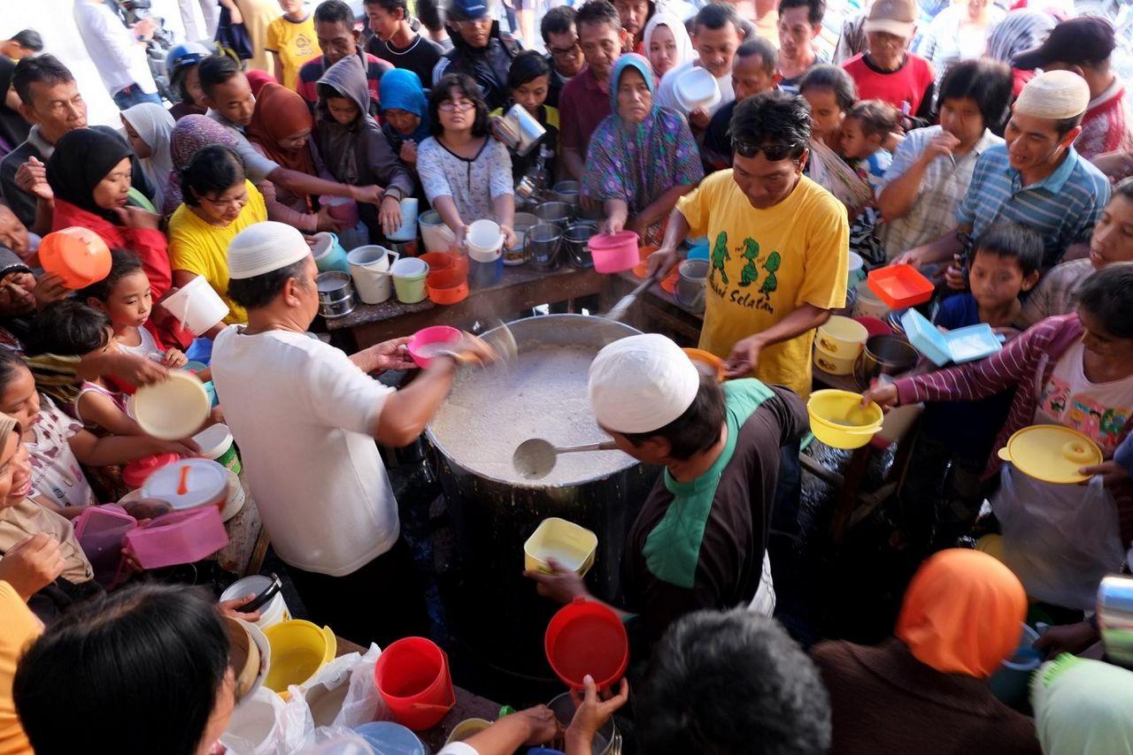 Bubur Legendaris di Masjid Indonesia untuk Buka Puasa (thejakartapost.com)