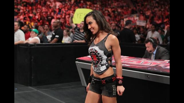 JENNA: Who is aj dating in wwe