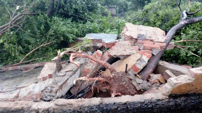 Cyclone Titli Effected In Kharagpur, kharagpur, titli in wb