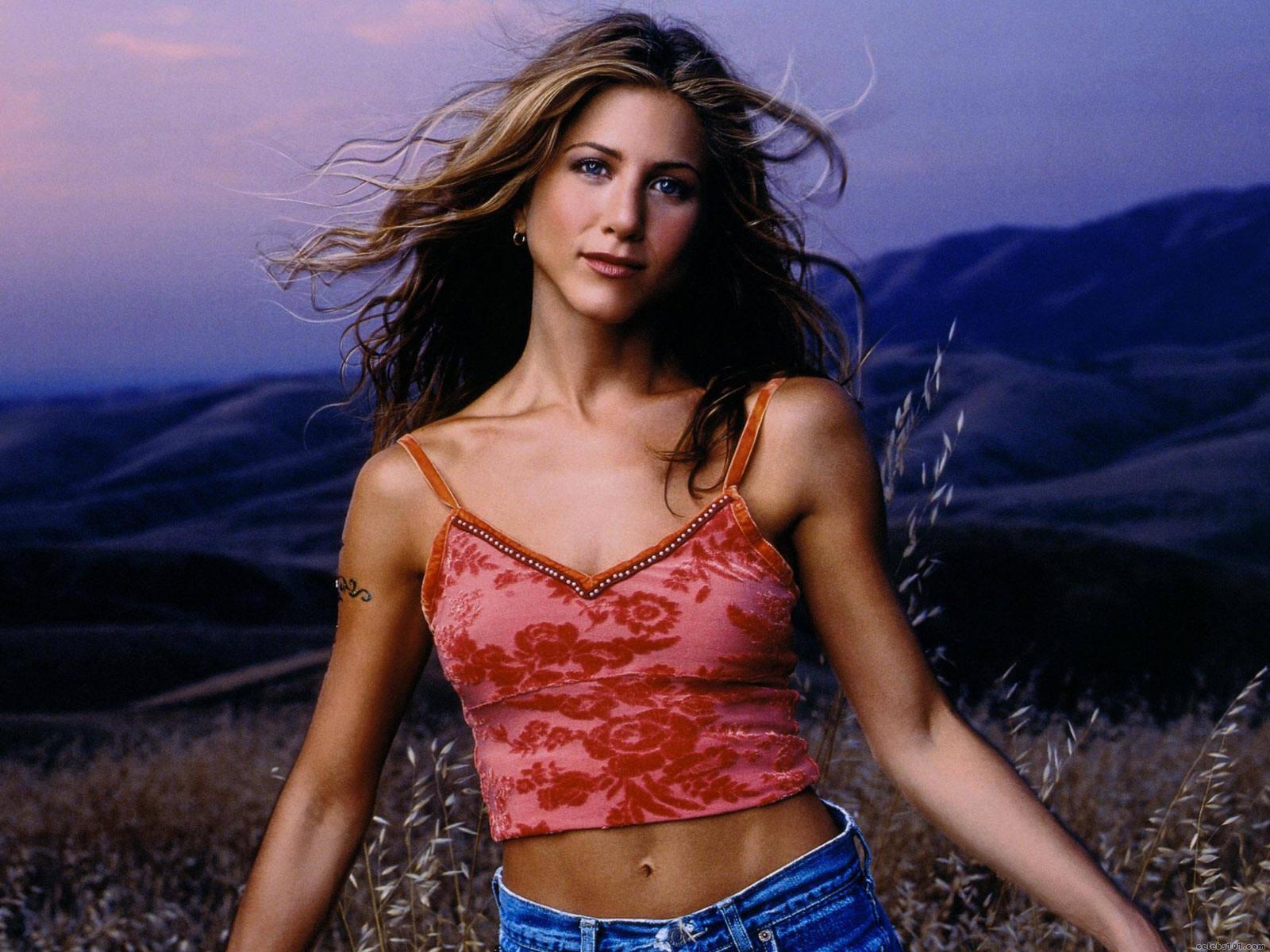 Hollywood Trendy Jennifer Aniston Style-3673