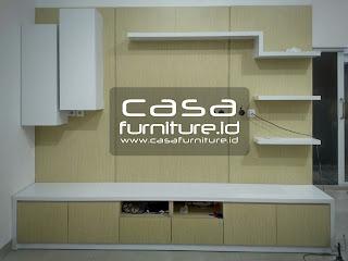 Poris cipondoh  Kabinet meja TV dibuat dengan kombinasi dua warna HPL.  Terdiri dari bagian kabinet bawah, backdrop TV dan hambalan.