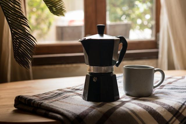Kawiarka elektryczna – gadżet dla smakoszy kawy!
