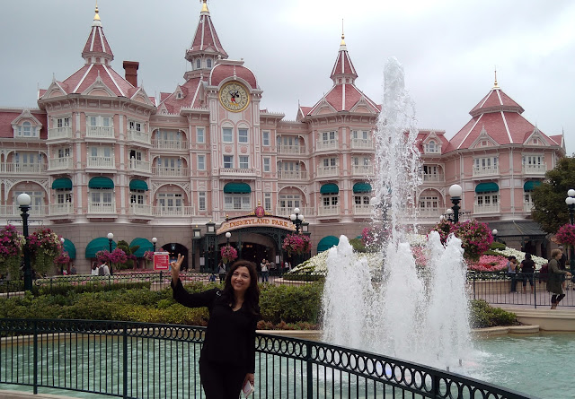 pilar-bernal-maya-disneyland-paris
