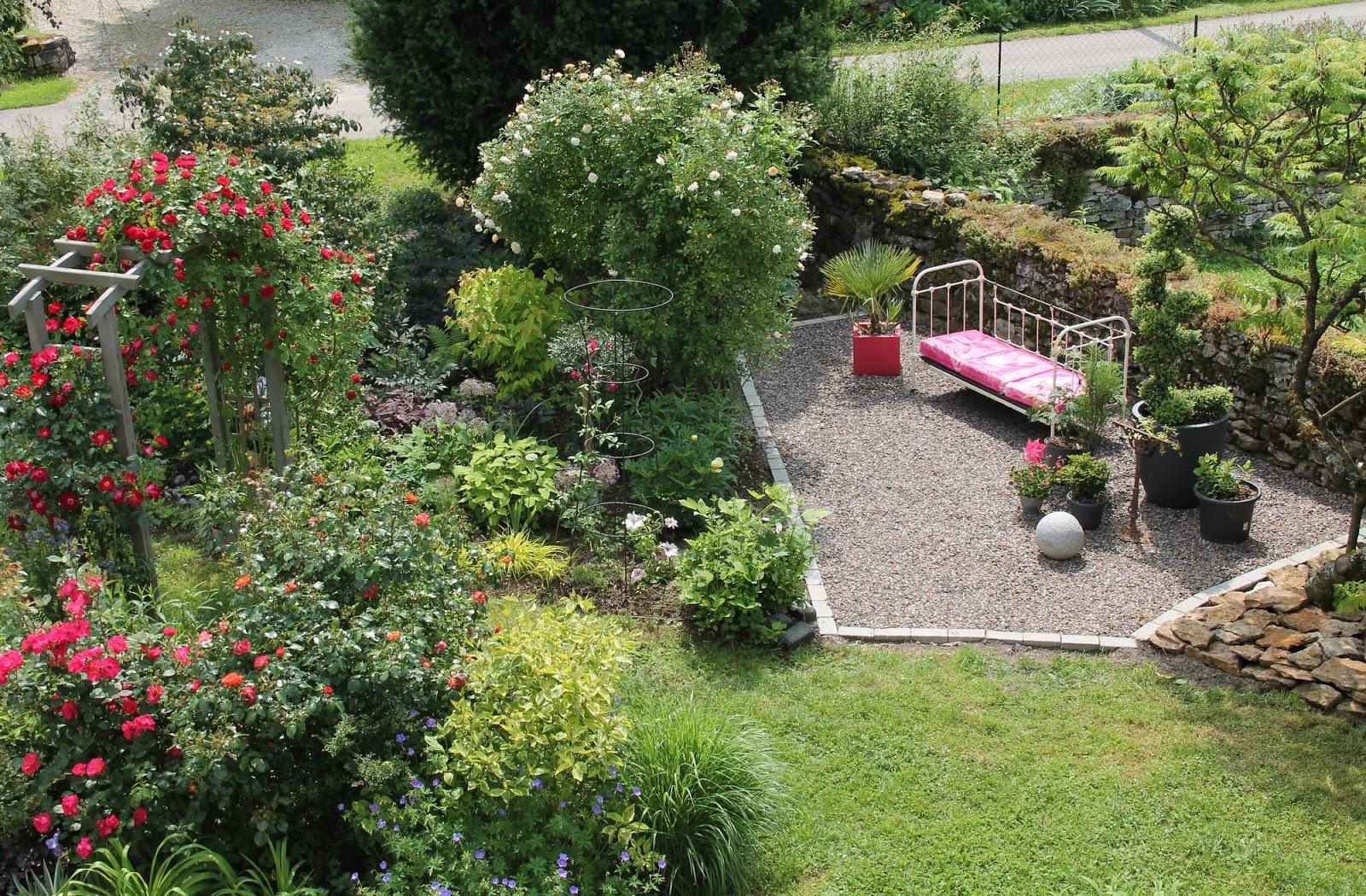 Doubs jardin apr s avant mon coin girly massif 21 for Carte virtuelle mon coin de jardin