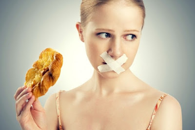 Xăm môi nên kiêng ăn gì?