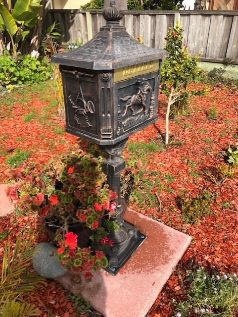 Walk In Garden Box: *Terra Garden*: Cypress Tree, Bay, Antique Mail Box