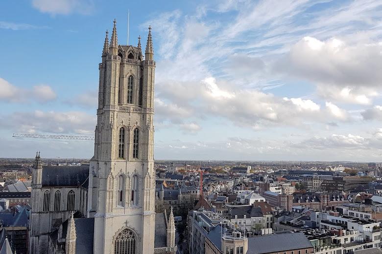 在塔樓望向聖巴夫主教座堂 (Sint-Baafskathedraal)