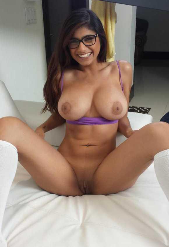 Mia Khalifa Spreading Legs Showing Pussy