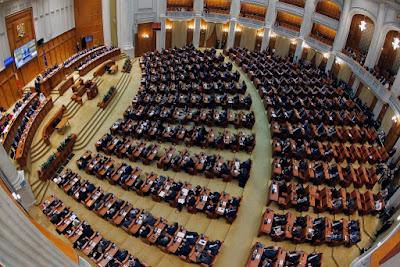 közkegyelem, Liviu Dragnea, PSD, román parlament, Times New Roman,