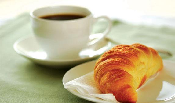 Resultado de imagen de cafe solo y bolleria