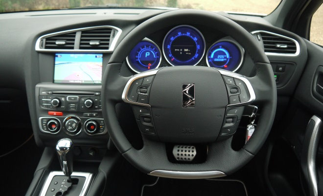 Citroen DS4 cockpit