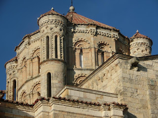 http://santamartak-amina.blogspot.com.es/2017/03/villafranca-toro-fotos-de-pedro.html