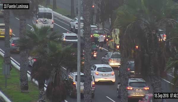 Motorista herida en accidente tráfico, Avenida Marítima, Las Palmas de Gran Canaria