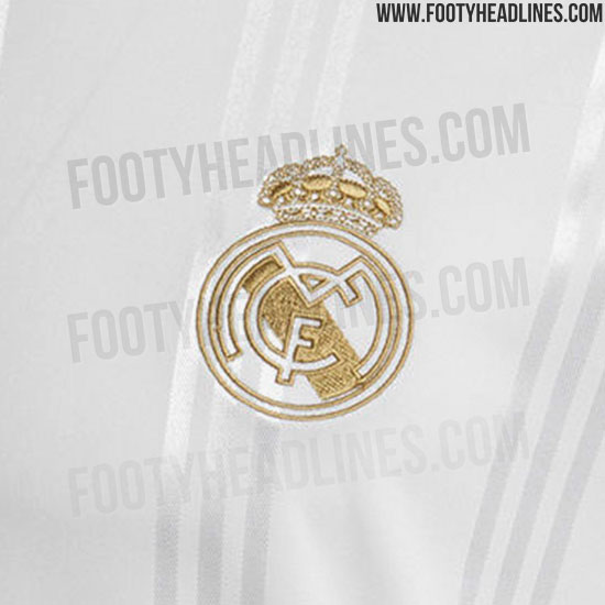 official photos 02e13 f7149 Adidas Real Madrid 19-20 Icon Retro Long-Sleeve Jersey ...