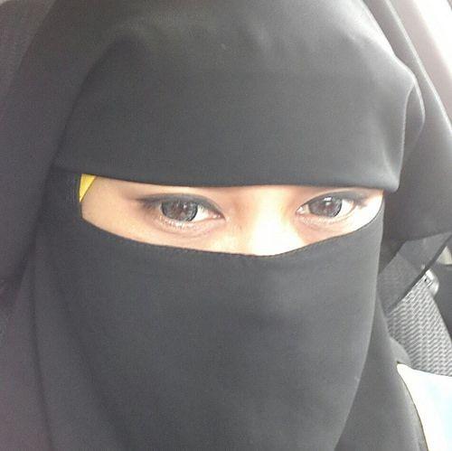 انسة من الرياض تبحث عن زواج عبر واتساب تقبل مسيار وتعدد بشرط