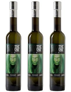 Des bouteilles de l'absinthe HR Giger de la marque Brevans